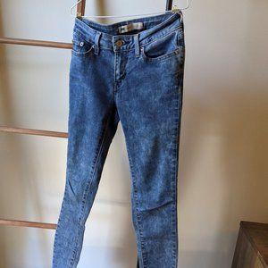 """Levi's low waist skinny jeans - 25"""""""
